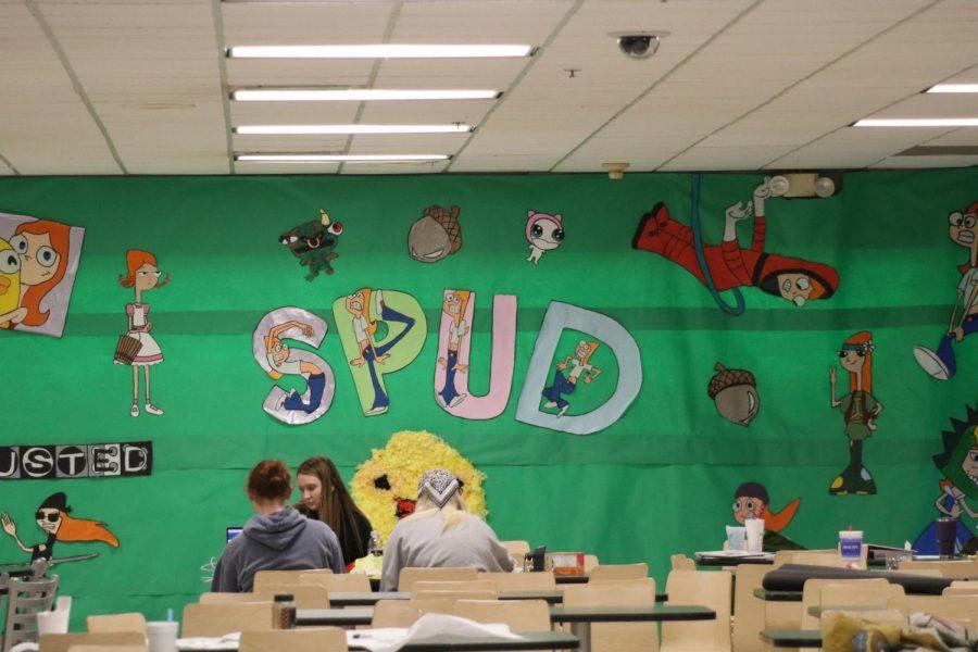 SPUD decorating began Sat., Jan. 4.