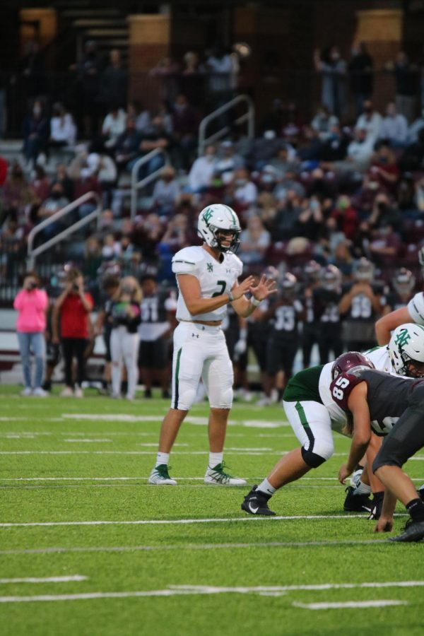 Jackson Remauldo calls for the ball to be snapped.