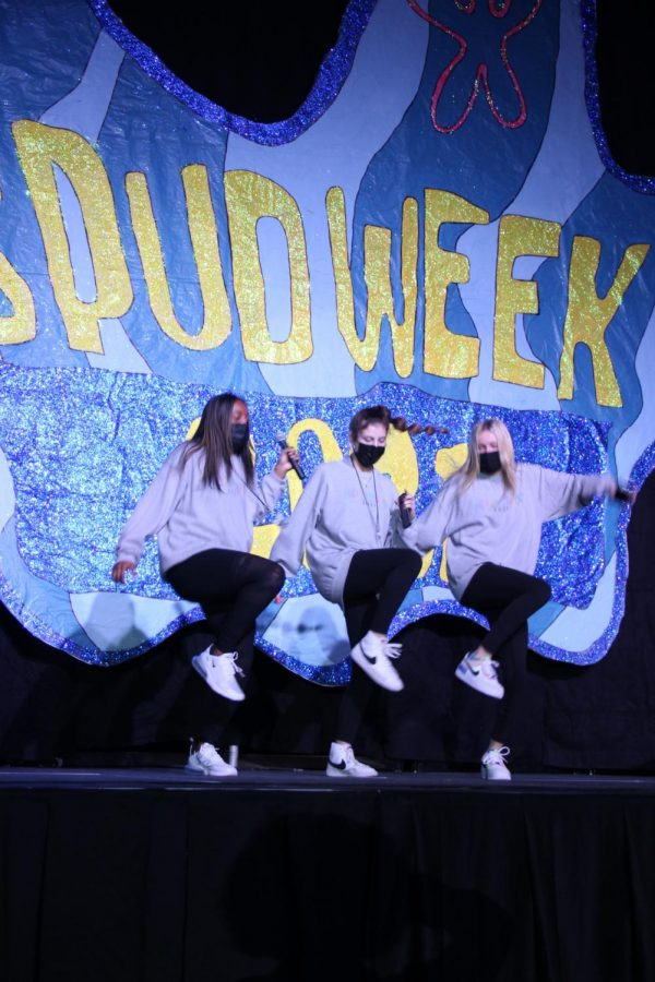 Teja Johnson, Harper Orr, and Kinley Kite performing at the SPUD 2021 lip sync battle.